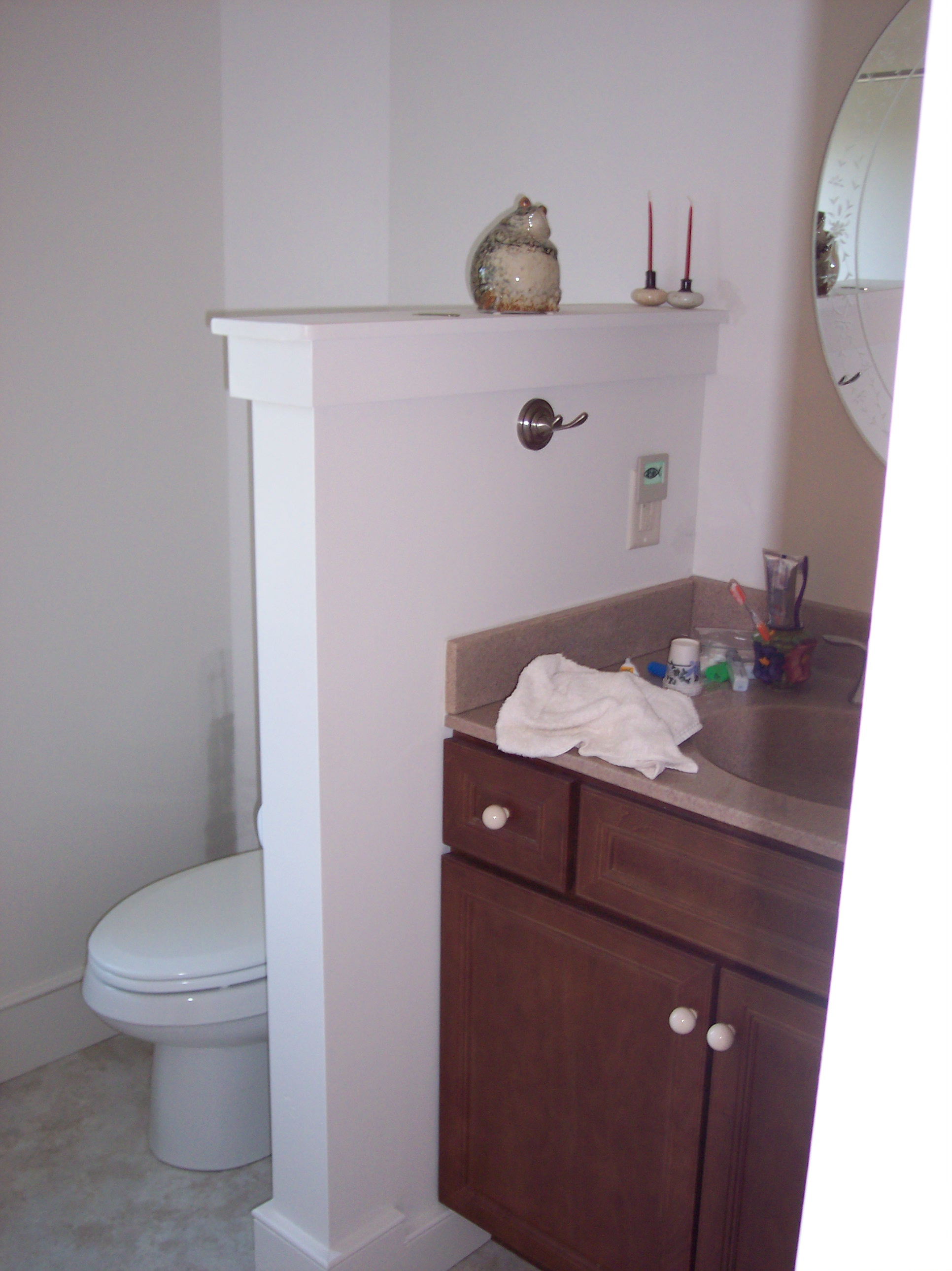 Remodeling small bathrooms for Small bathroom renovations